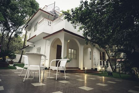 Lavish Villa at Prime Location At Calangute Goa