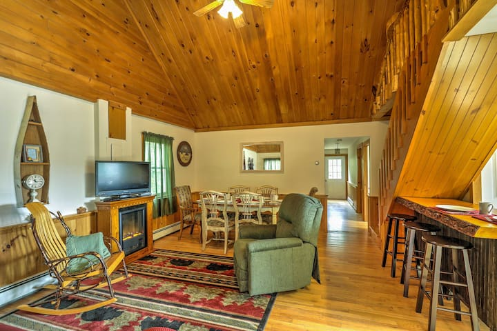 2BR + Loft North Creek Cottage in the Adirondacks!