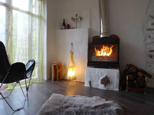 Mooie winter houtkachel. Puur zen!