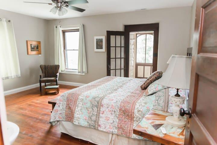 Spring Street Tallgrass Preserve Room