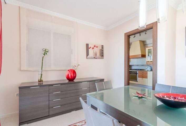 Dormitorio en The Eden Resort - Vélez-Málaga - Bed & Breakfast