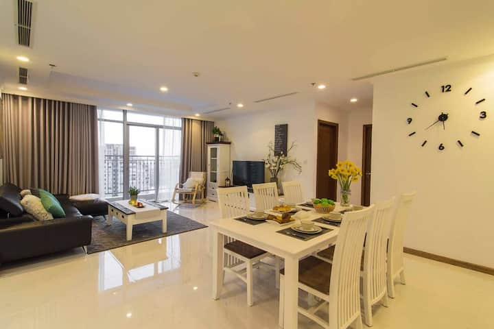 HOASUN Home - Vinhome Central Park - 1BR balcony