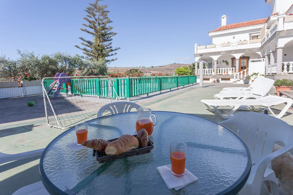 Swimming pool area, great place for a nice breakfast or lunch overlooking the pool with the kids playing.