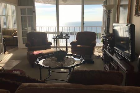 Seasonal renting on Pelican bay Naples Floridax