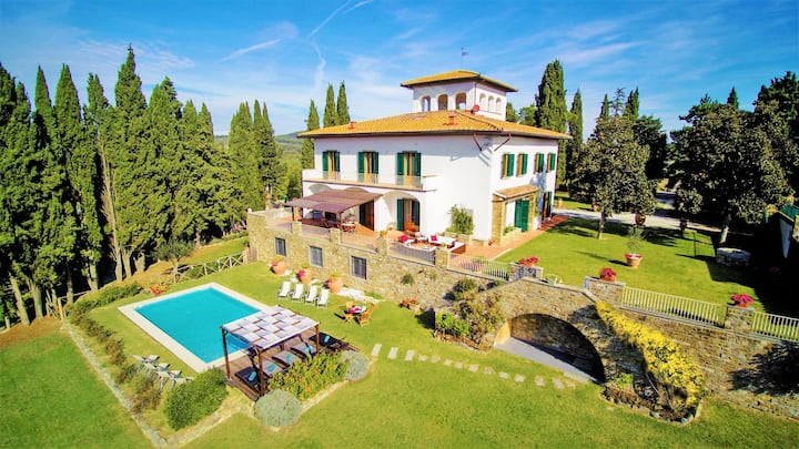 Charming Villa 8 ensuite bedrooms, Chianti area