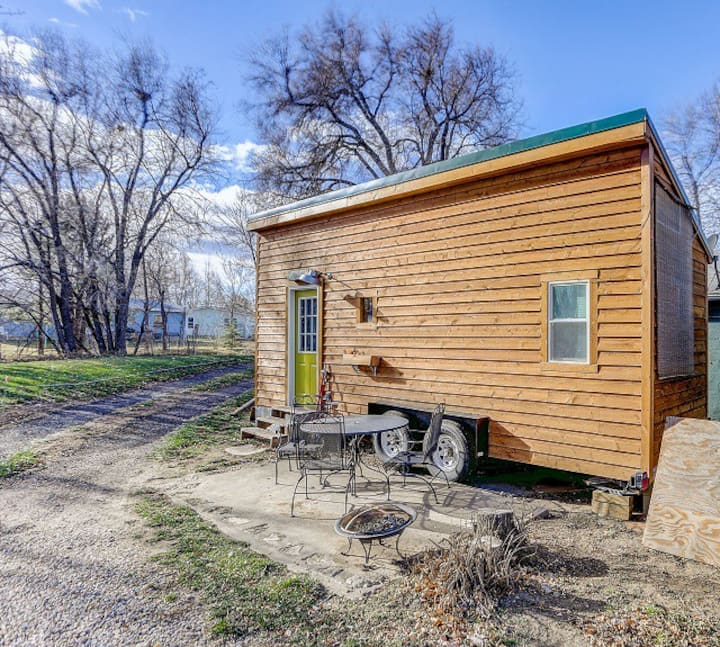 Beautiful Tiny House Perfect for Your Getaway