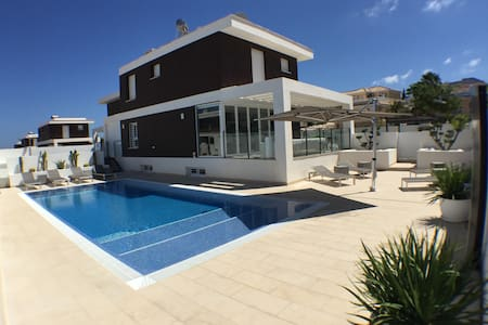 Villa Alicante prive pool at beach - Santa Pola