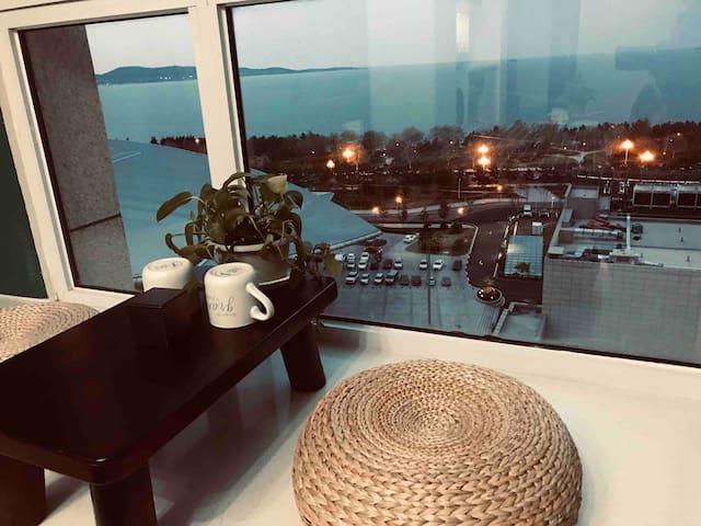 青岛路-会展中心-威海公园-海景房《沧海居》北欧风格-唐人海景公寓