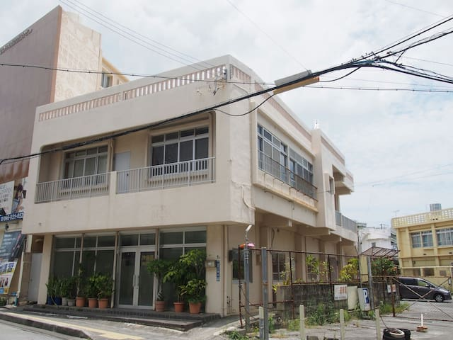 沖縄市の中心街City center of Okinawa City