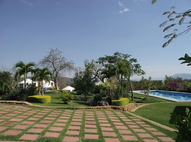 Hermoso Jardin, alberca yurtas - Chiconcuac - 別荘