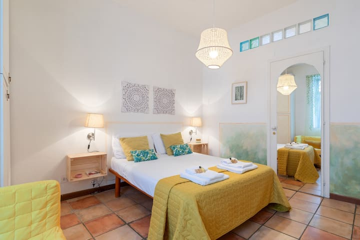 Monti | The Bohémien side of Rome | 1 BDR 2 pax
