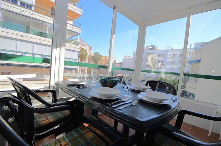 Central 3 bed walking distance to Fuengirola beach