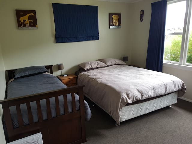 Queen bed room, with King single bed