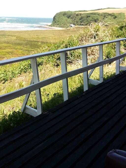 Vista panorámica playa mar brava desde el balcón. Salida desde dormitorio principal y living