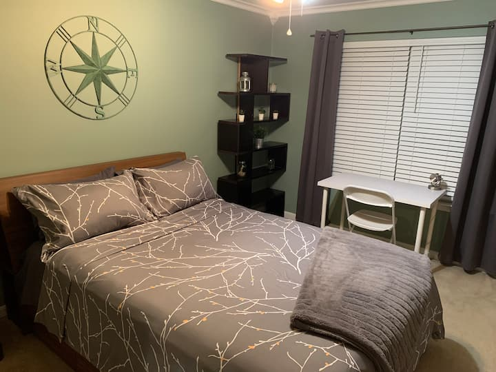 Spacious Private Room #2 NearBases/PotomacMall/ DC