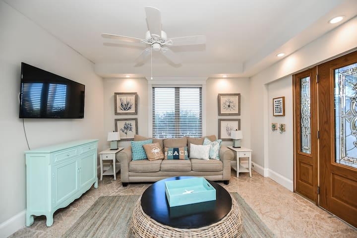 Bay Breezes at Bayside Bungalows - Two Bedroom Apartment, Sleeps 6