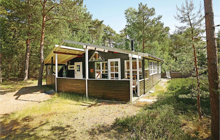 Holiday cottage with 2 bedrooms on 52m² in Nexø