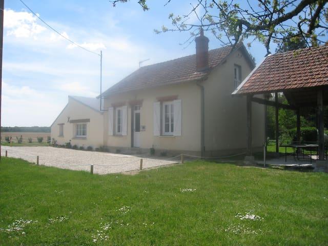 Maison indépendante en lisère de forêt - Nogent-sur-Vernisson - House