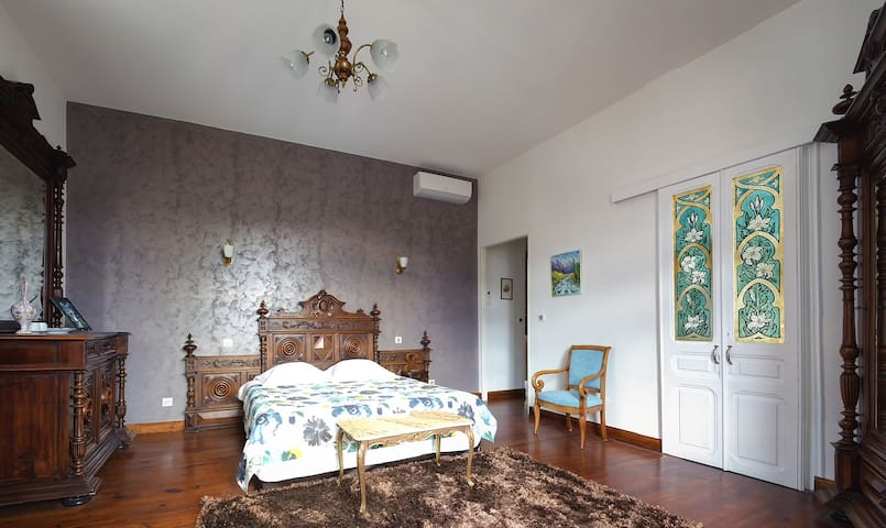Aspin-Double room-Ensuite-Comfort-Mountain View