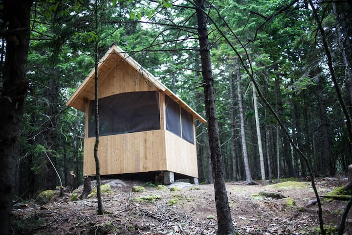Secluded Hut at Deer Isle Hostel