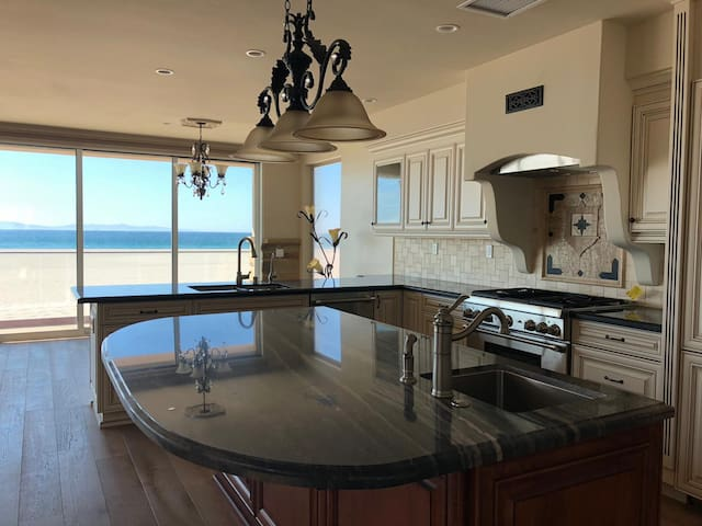 Brand New Beach Home Great for Entertaining!