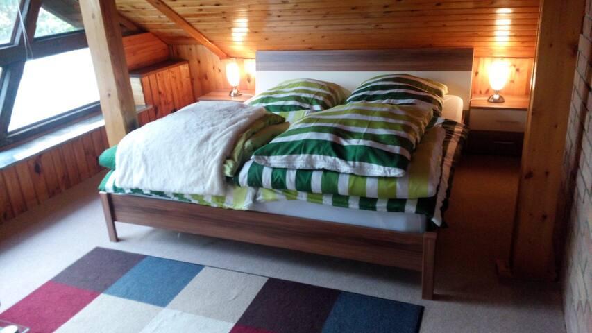 Das Doppelbett oben