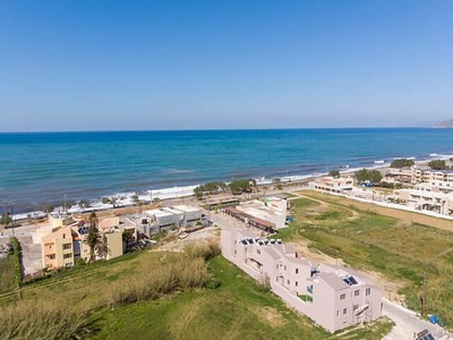 Aegean Breeze  2 minute- walk from maleme beach G3
