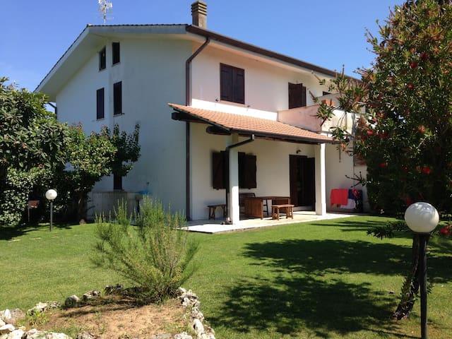 Villetta Bella Farnia - Bella Farnia - Villa