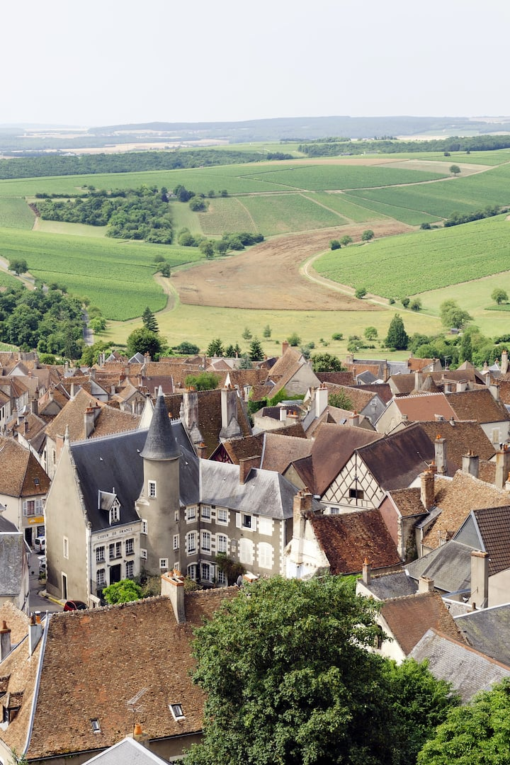 An arial view of the town of Sancerre