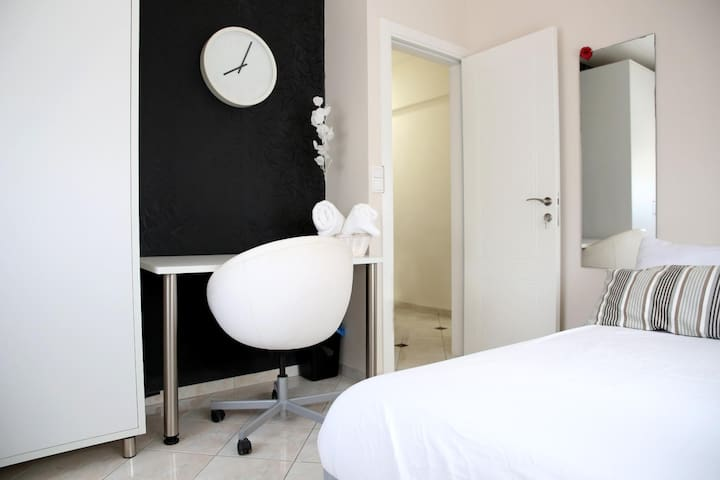 Liav room