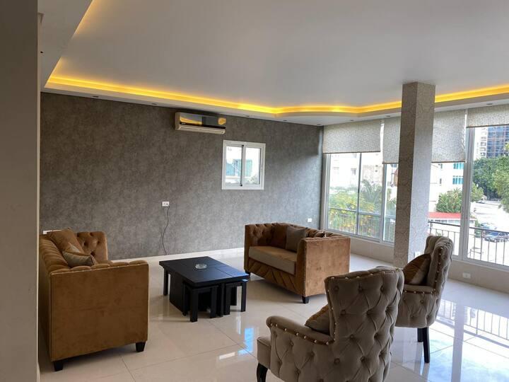Amazing Apartment, heart of Achrafieh
