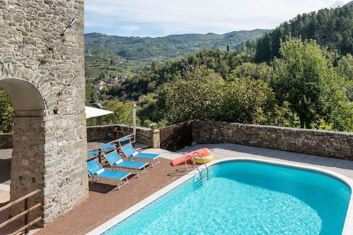 Beautiful Holiday Home in Casola in Lunigiana with Terrace