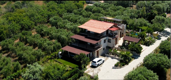 Villa Laskari