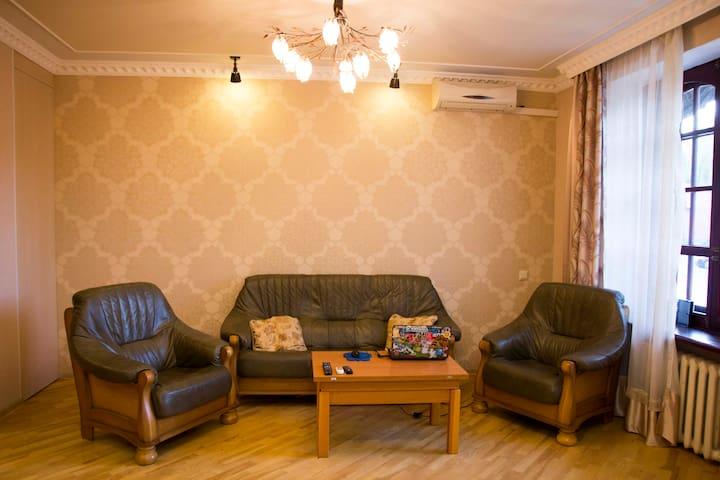 Генрих Голосеевский, Henry Holoseev - Київ - Apartment