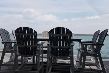 Put-in-Bay Waterfront Condo #113 - 公寓