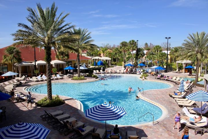 POOL OPEN! Disney Escape, 2BR Townhouse, Tennis