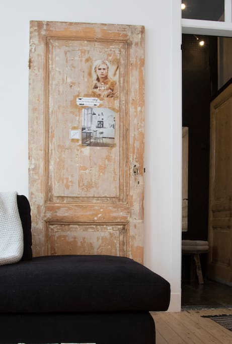 living | an old door as a vintage styling object
