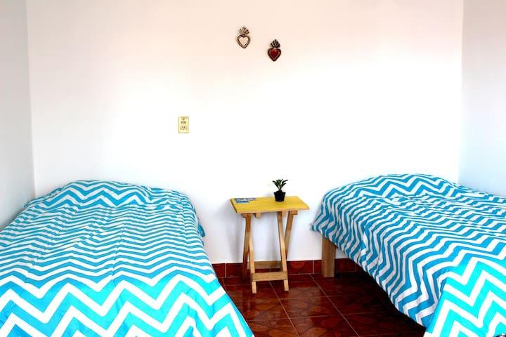 Casa GIAP Room2: céntrica, con 2 camas y mucho más
