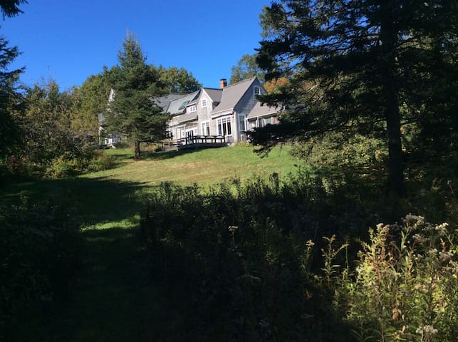 Sunny house & private beach access on Oak point - Deer Isle - Huis