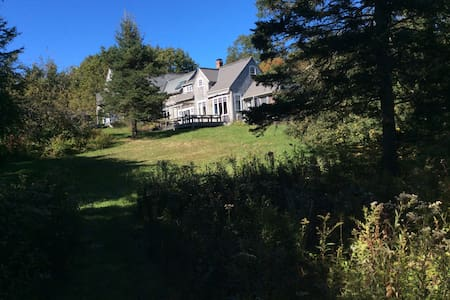 Sunny house & private beach access on Oak point - Deer Isle