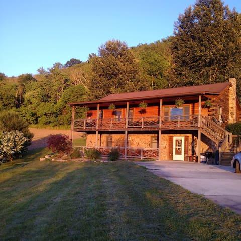 Little Juniata River Cabin: Spruce Creek & the LJR