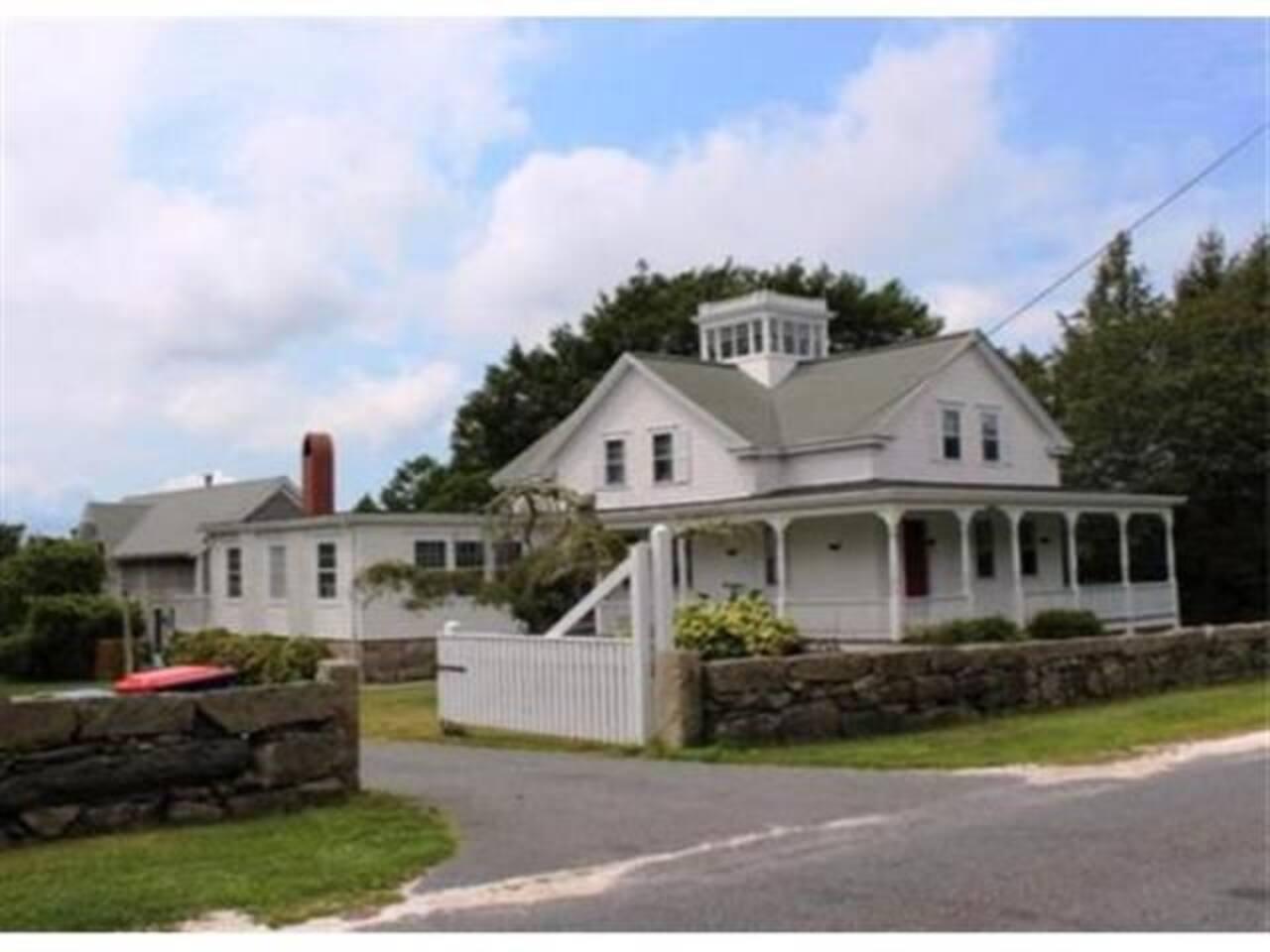 1880 Victorian Farmhouse