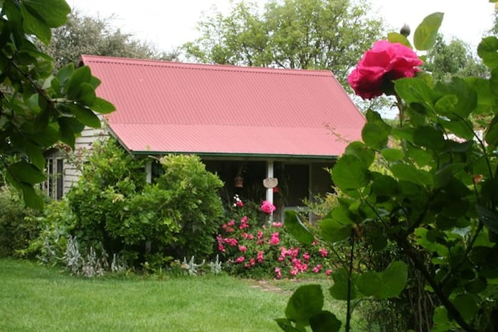 PoppysCottage Charming Farmstyle B&B close to town