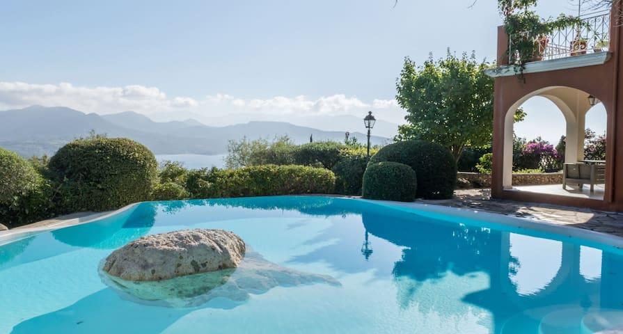 Villa Anthea Rossa-CollectionVillas - Ligia