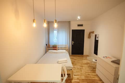 Private apartment in the city center Free parking