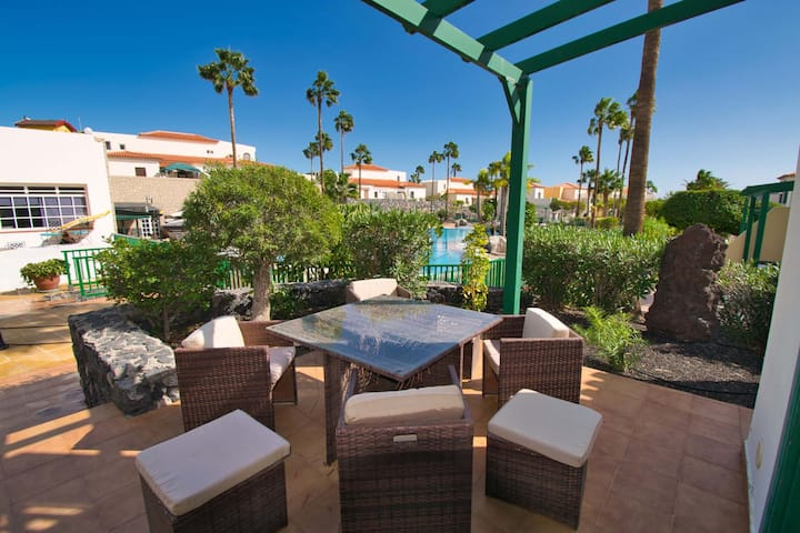 Las Adelfas II, Lovely sunny 2 bed villa