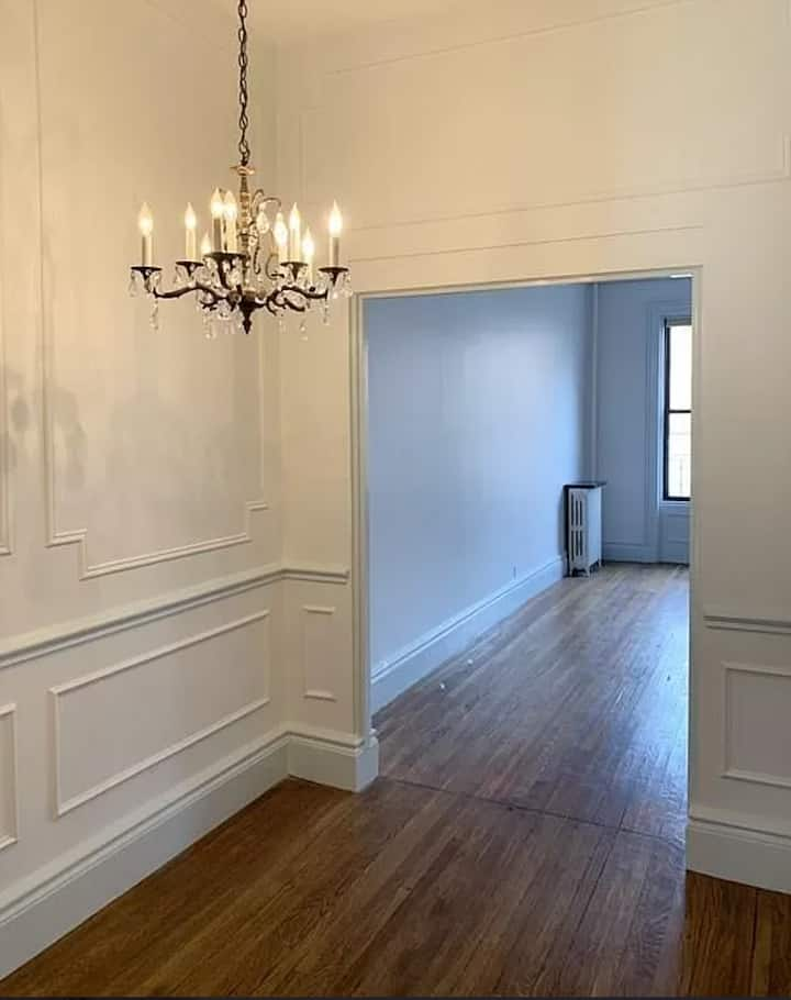 1000sqft High Ceiling Luxury 1BR in prime location