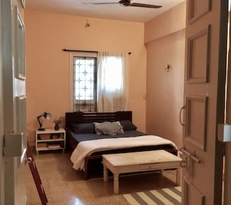 Cosy old-style Bandra home! - 孟买