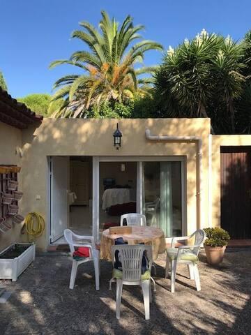 Colocation Grand Studio pour les vacancesà Antibes