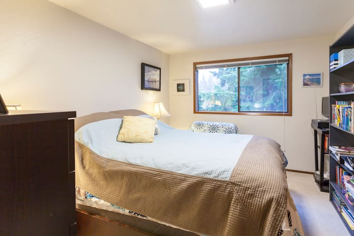 Queen bed+1 twin near park/beach - Federal Way